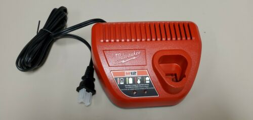 Milwakee M12 charger