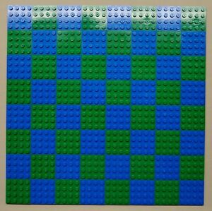 x64 NEW Lego Plates 4x4 Blue /& LT Gray Baseplates MAKES CHESS Game Board