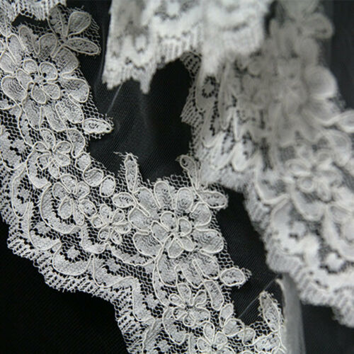 White Ivory Wedding Veils 2 Layers France Lace Appliques Bridal Veil with Comb