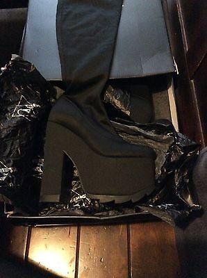 YRU Labyrinth Platform Shoes