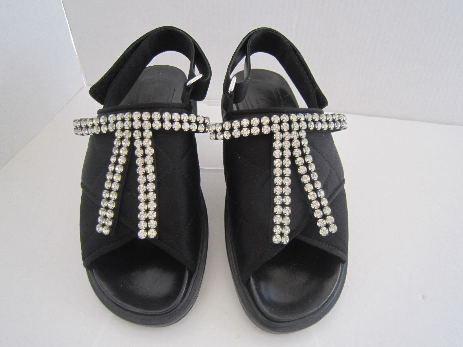Marni Fussbett Crystal-Embellished nero Quilted-Satin Sandals Sandals Sandals Sz 37 Us 7  800 854a55