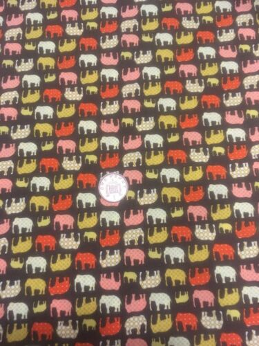 Tiny Elephants On Brown Big Little Foot 100/% Cotton Quilting Craft Fabric