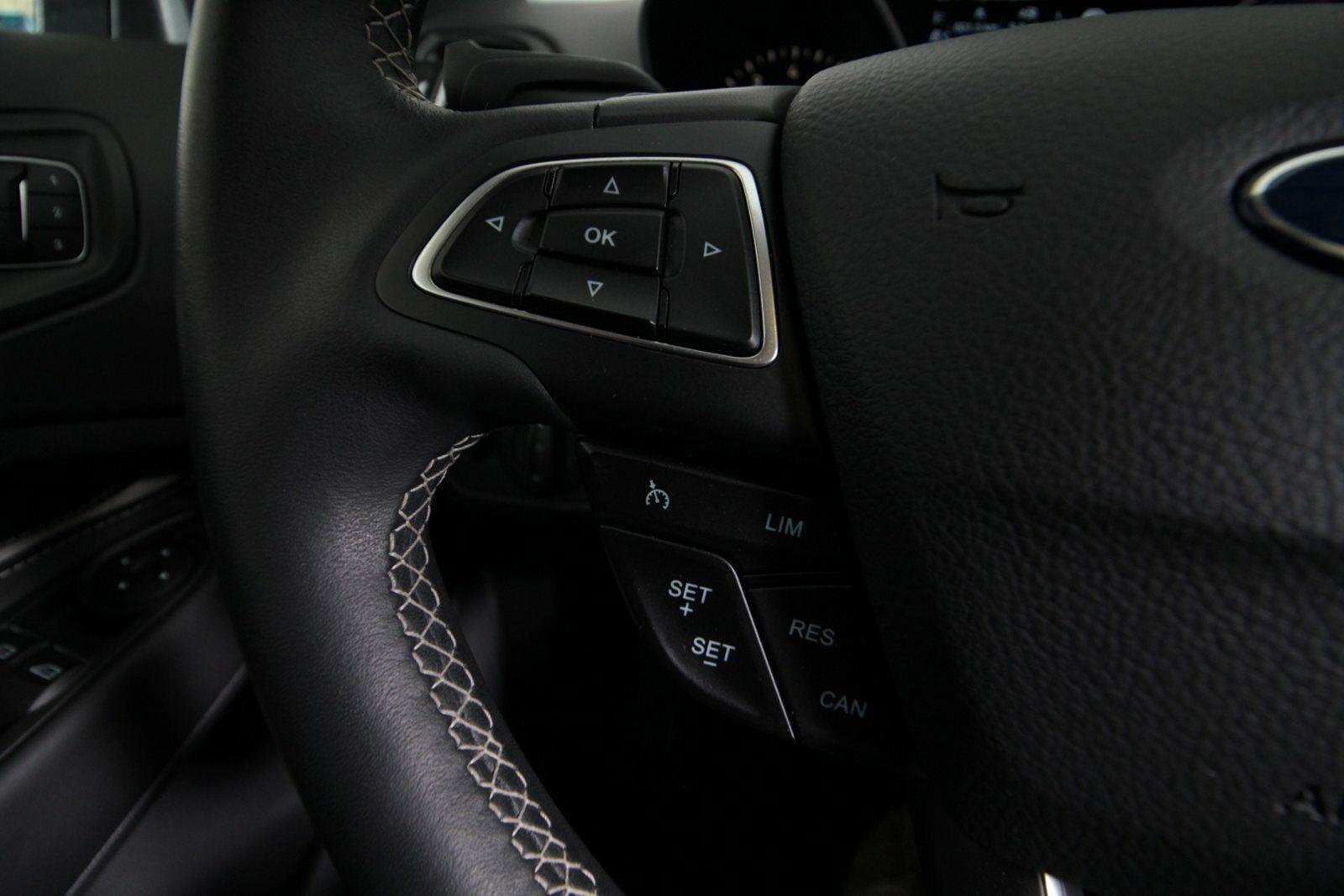 Ford Kuga SCTi 182 Vignale aut. AWD Van