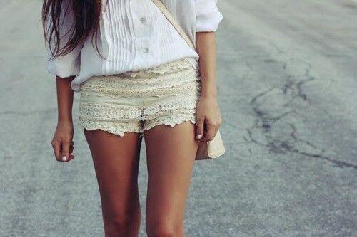 Cream Crochet Ruffle Tiered Summer Mini Hot Pants Festival Beach Shorts UK6-8 XS