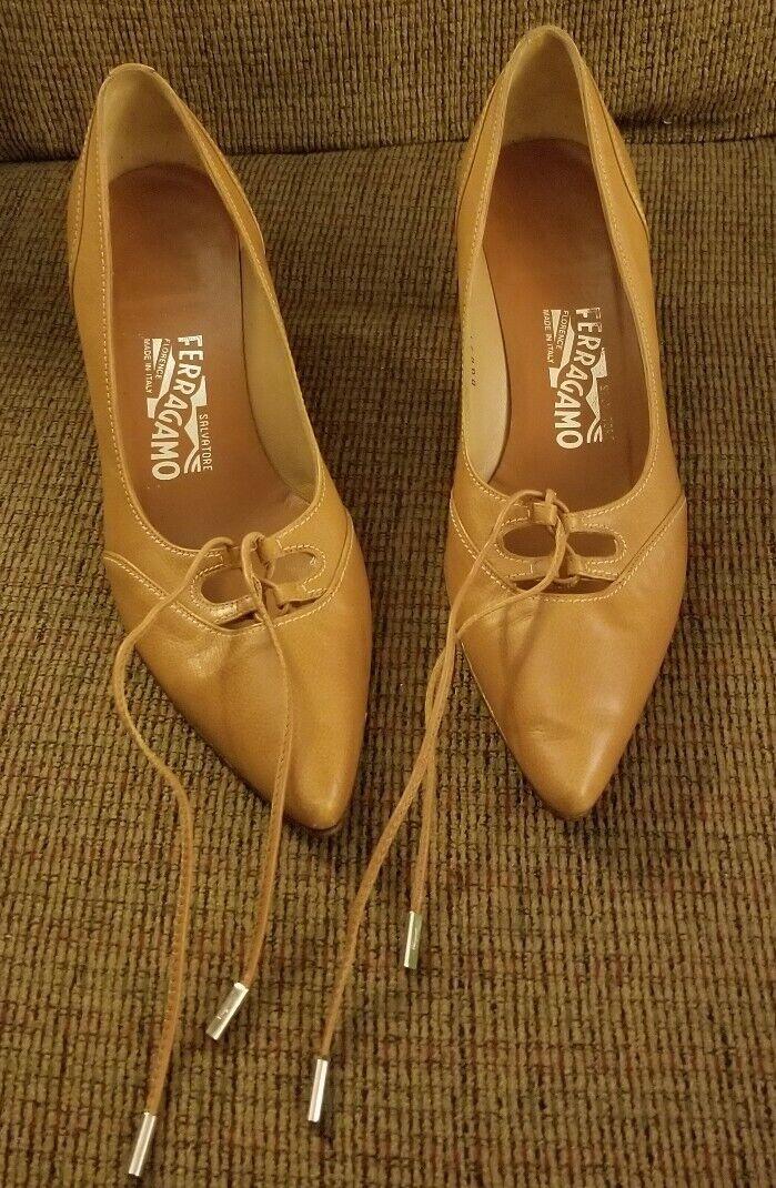 Salvatore Ferragamo  braun leather pointed heels Made in Florance  8.5 B