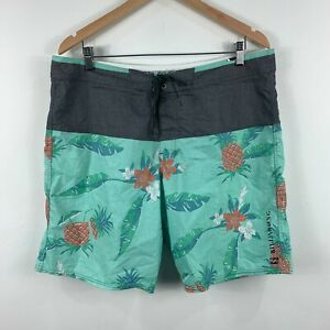 Billabong-Mens-Board-Shorts-Size-36-Green-Pineapple-Floral-Swim-Wear
