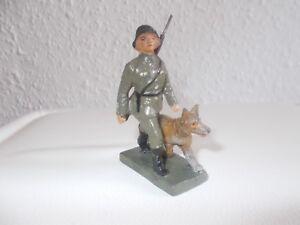 Lineol Soldat Mit Meldehund Gefertigt Vor 1945 7,5 Cm Serie Erfrischung