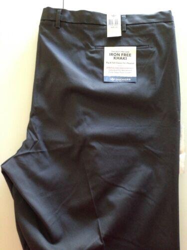 NWT Dockers Gray Big /& Tall Classic Fit Pleat Front Pants Size 60W x 32L