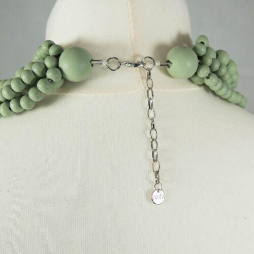 Multi-hilo collar de madera verde pálido con corazón de temporada Atemporal