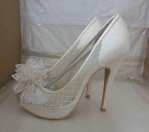 dec2d728f628 MENBUR ADELIA IVORY LACE BRIDAL/WEDDING SHOES UK 7/EU 40 - RRP £150 ...