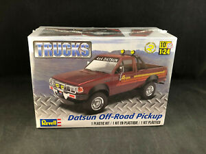 Revell-Datsun-Off-Road-Pickup-1-24-Scale-Plastic-Model-Kit-85-4321-NIB