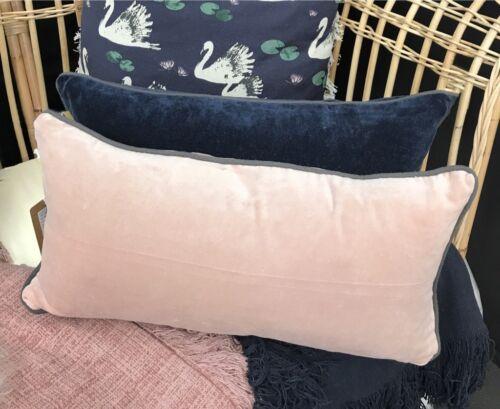 rectangle Canapé Lit Long Doux Rose blush velours Petit Déjeuner coussin gris passepoil
