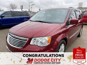 2016 Chrysler Town & Country Touring | FWD | Pwr Doors | B/U Cam |