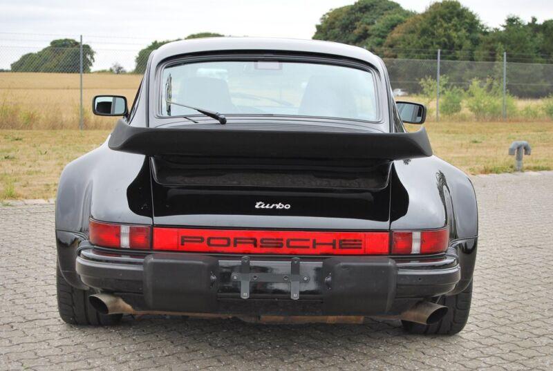 Porsche 911 Turbo - 16