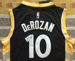 uk availability 6d436 09d17 Détails : DeMar DeRozan Signed Autograph Toronto Raptors Jersey NBA Drake  PROOF