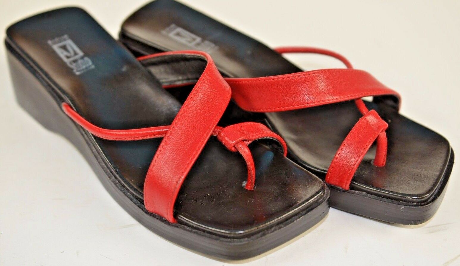 Andrew Stevens Wedge Flip Flops Red Italy Size 38 Summer Fun Size 7 US Sandals