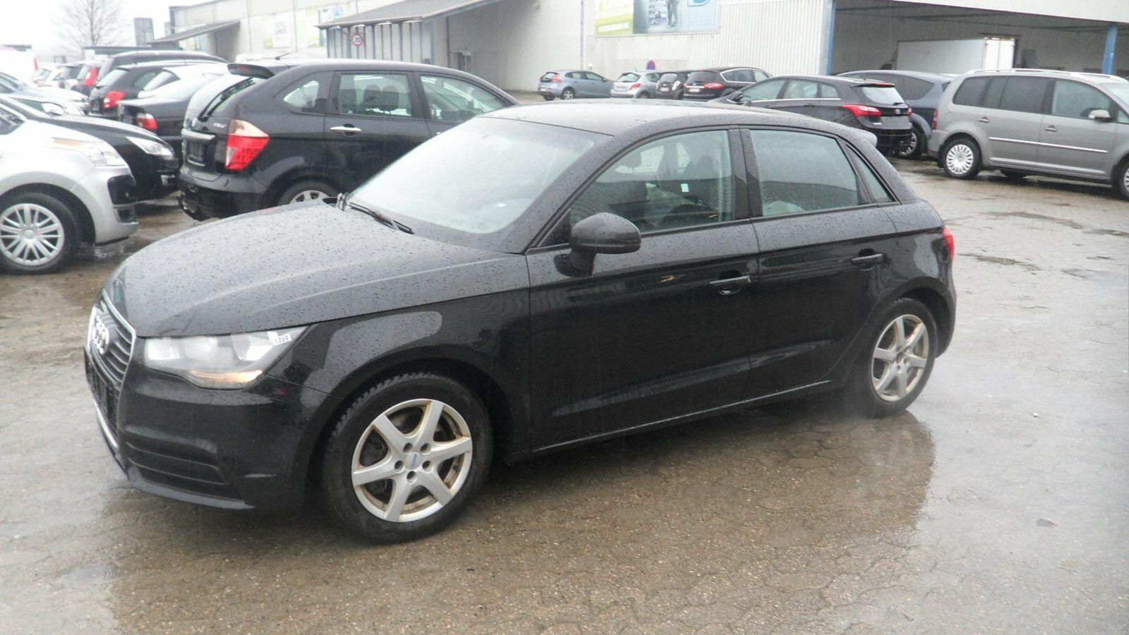 Audi A1 1,6 TDi 105 Attraction SB 5d - 79.000 kr.