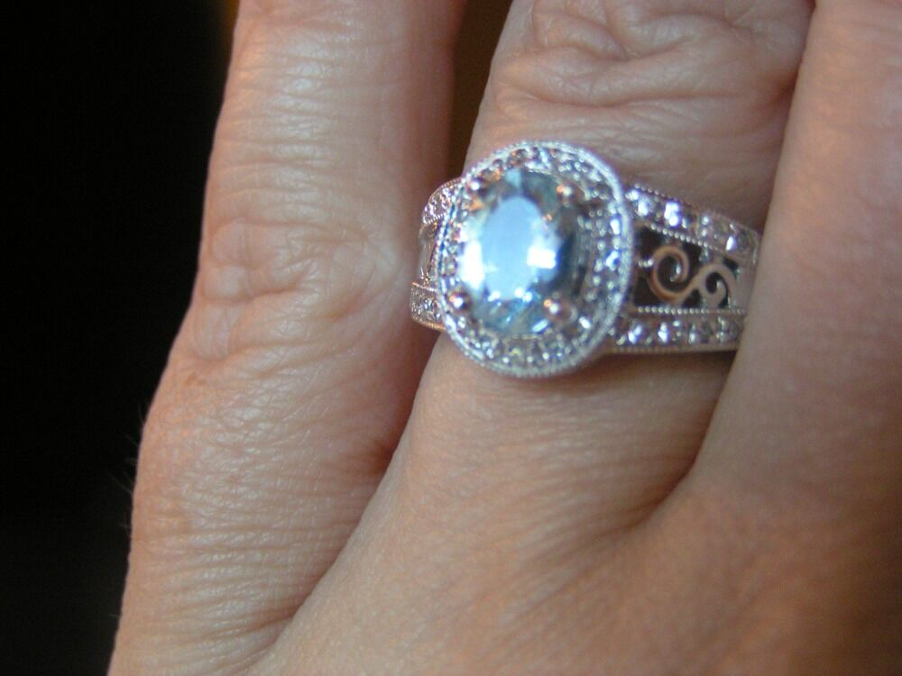 10k White gold Aquamarine Diamond Ring