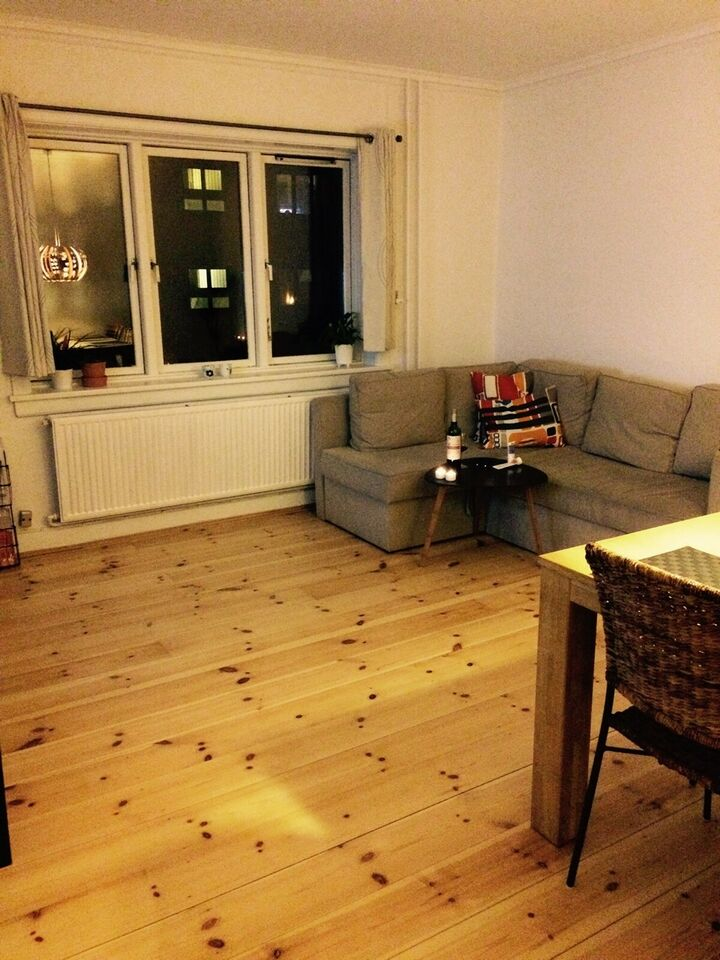 Spisebord, Egetræ, Ukendt l: 140