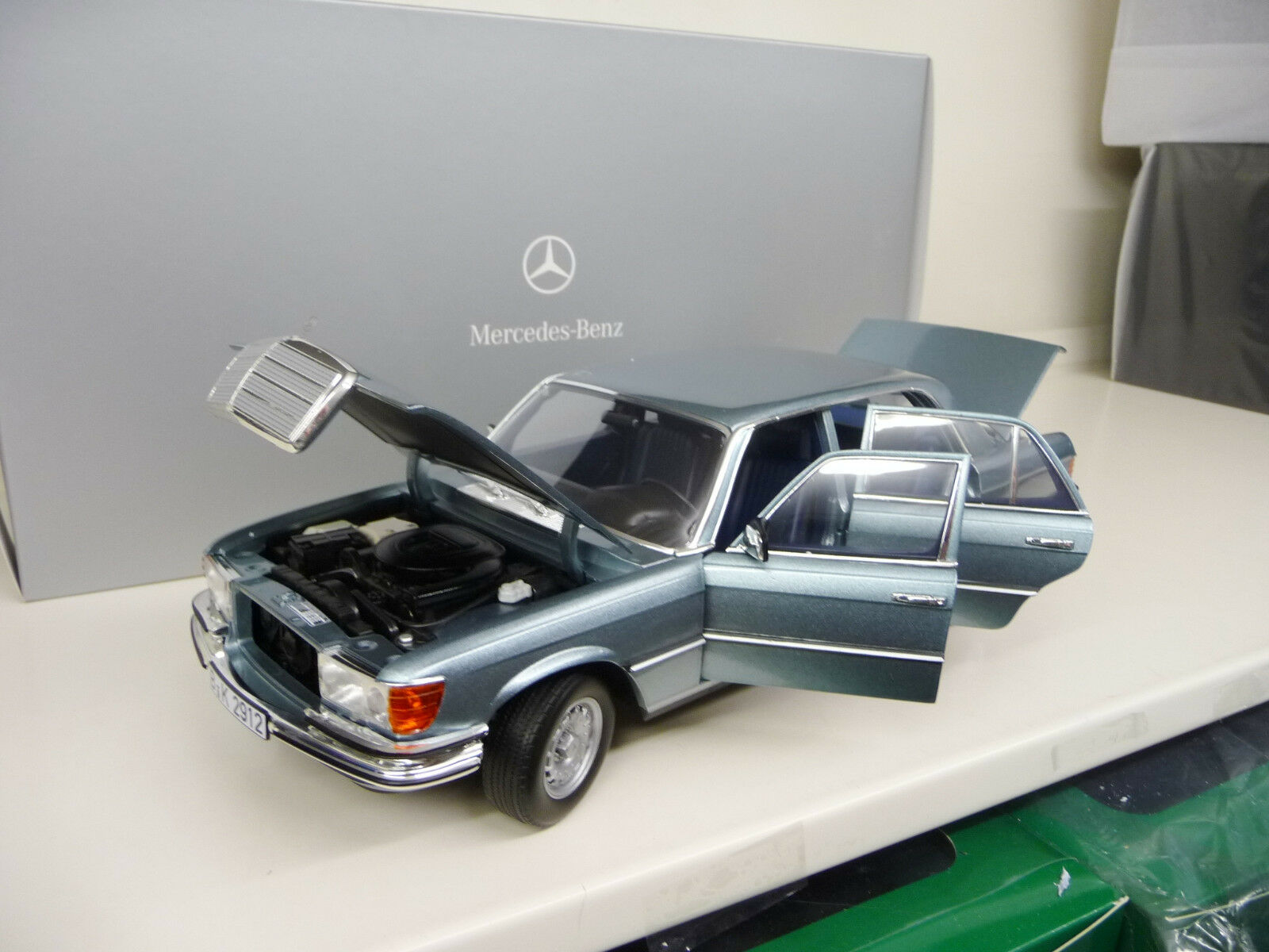 1 18 Norev Mercedes 450SEL6.9  W116 Blau 1976 NEW FREE SHIPPING WeltWIDE