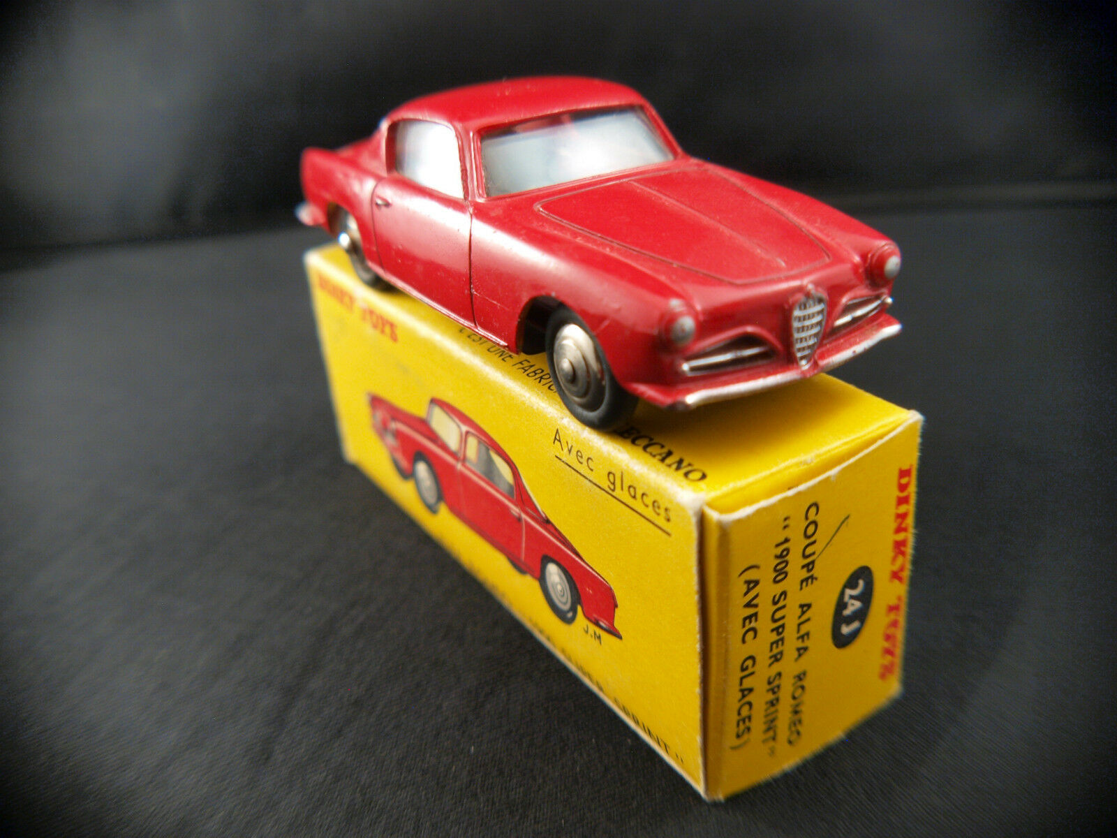 Dinky toys f 24j alfa romeo 1900 super sprint never played in box nmib