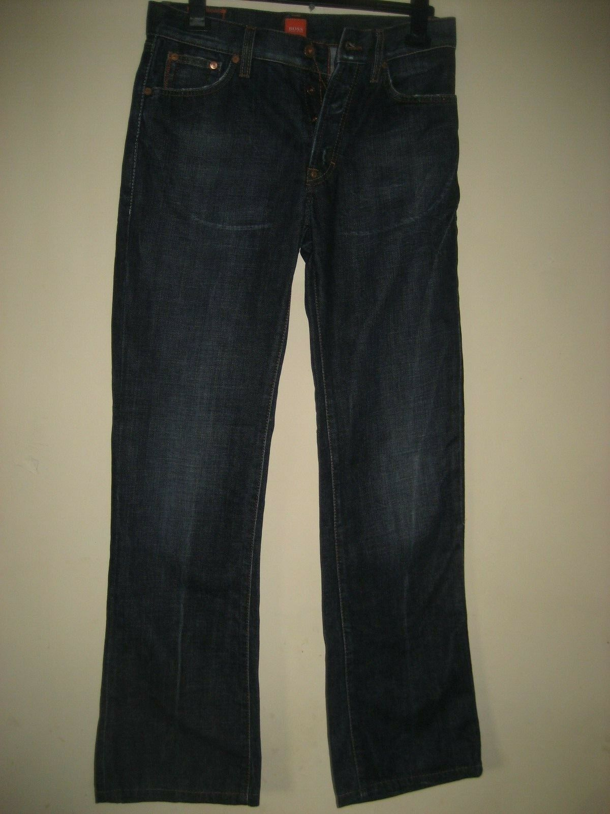 SS 28)  MENS blueE HUGO BOSS STRAIGHTJEANS WAIST 30  LEG 34  BUTTON  FLY