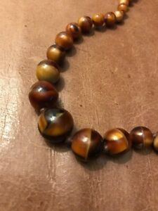 Gorgeous-Brown-Glass-Bead-1940S-1950S-Decorative-Clasp-Vintage-Marbled-Goodwood