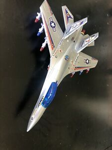FC-18E-F-Hornet-Long-Xiang-Toys-Super-Rare-Battery-Operated