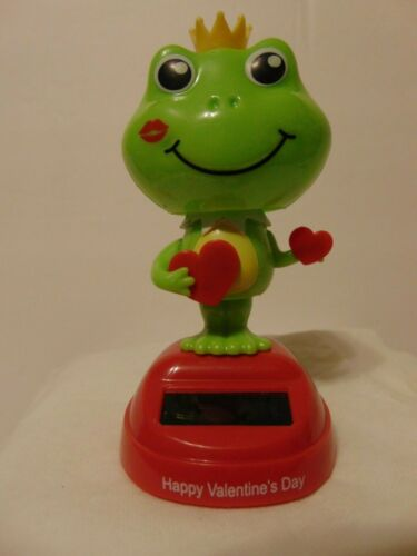 Valentine/'s Day Frog Prince w// Hearts Solar Light Powered Bobble Head NEW