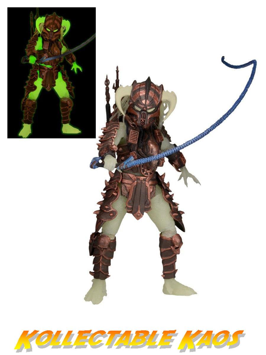 Predator - Series 16 - Glow in the Dark Stalker Predator 7  Action Figure
