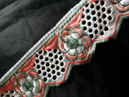 Embroidered Floral Trim//Lace Cut-Out Detailing 20 Colours 64mm 1m 2.1//2/""