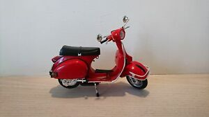Vespa-P200E-del-Die-Cast-Scale-Model-1-12-NEW