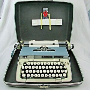 Vintage Smith-Corona Galaxie Deluxe Typewriter w/ case key & instructions