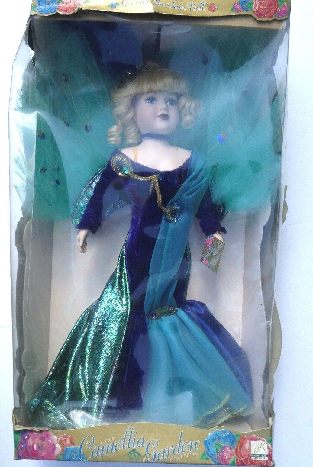 COLLECTIBLE CAMELLIA GARDEN PORCELAIN DOLL 18  1997 W/STAND & BOX