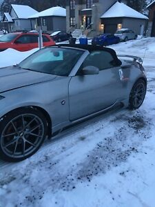 2004. Nissan 350Z Roadster convertible