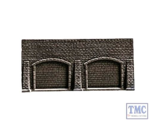 N44920 Noch Z Scale Retaining Arcade Wall with 3 Butresses 13 x 7 cm