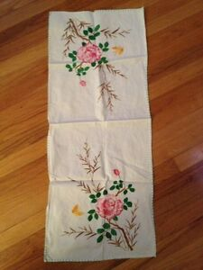Vintage Embroidered Crocheted Dresser Scarf