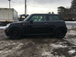2010 Mini Cooper. LOW KM CERTIFIED!! Priced to sell fast