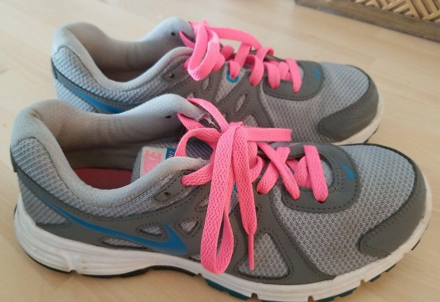 Ladies Nike Revolution 2 Trainers Size