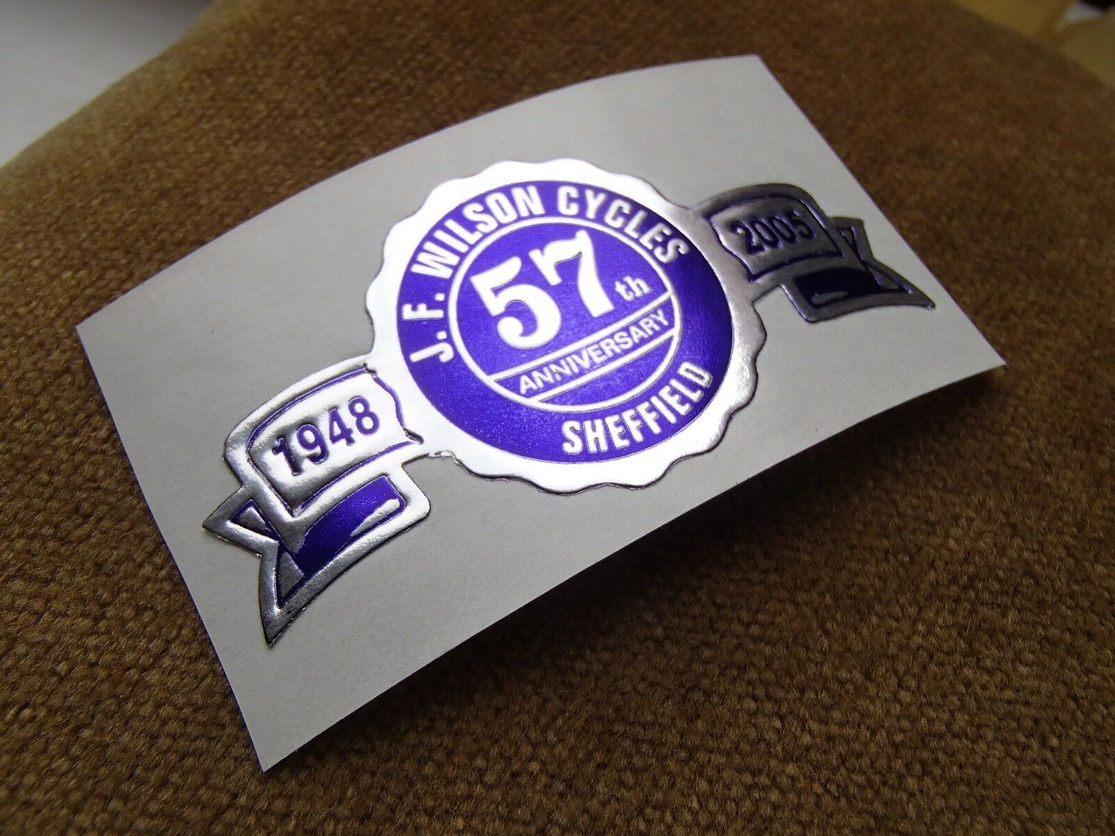 J.F. Wilson cycles frame 57th Anniversaire Autocollant original bleu/argent cycle frame cycles badge 776cc6