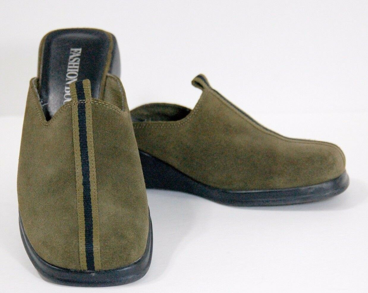 Fashion Bug women's size shoes wedge heel slip-on leather suede size women's 8 green 79c602