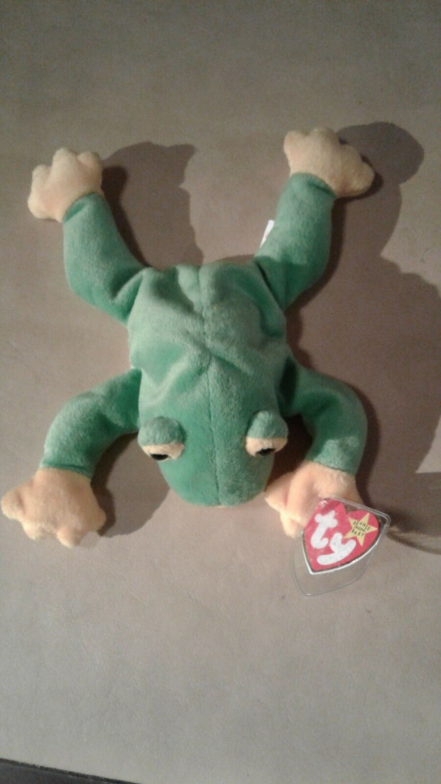 Retired Ty Smoochy the Frog Beanie Baby DOB October 1, 1997 tag error collector