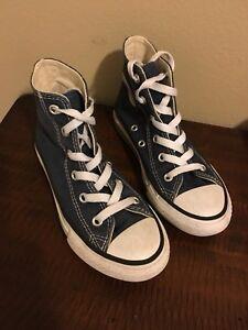 8bd41cd5d6d8 Converse All Star Girls Size 12 Navy Blue Hi-Top Chuck Taylor shoes ...