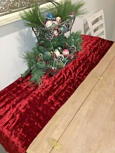 Vtg-Red-Crushed-Velvet-Rectangle-Christmas-Table-Runner-16-034-by-69-034-Luxury-EUC
