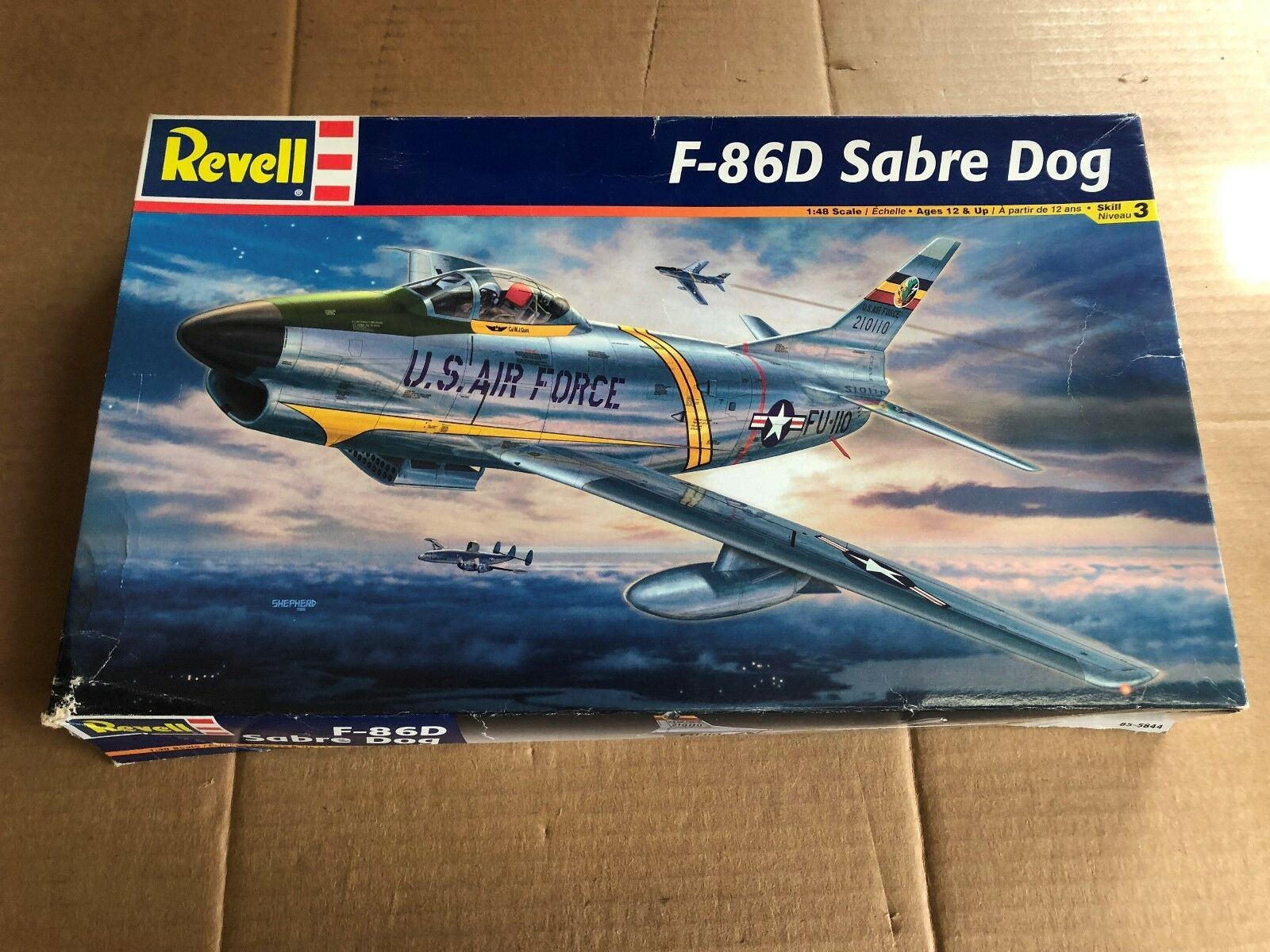 REVELL F-86D SABRE DOG PLANE MODEL KIT 1 48