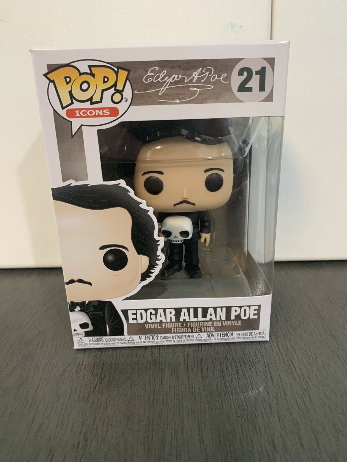Figure Toy #21 FUNKO MIB Edgar Allan Poe with Skull American History Vinyl POP