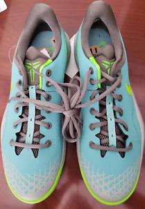 Diffuso jade nike sz kobe venomenon 4 uomini sz nike 11 grigio - verde scarpe da basket nuova 7f7c92
