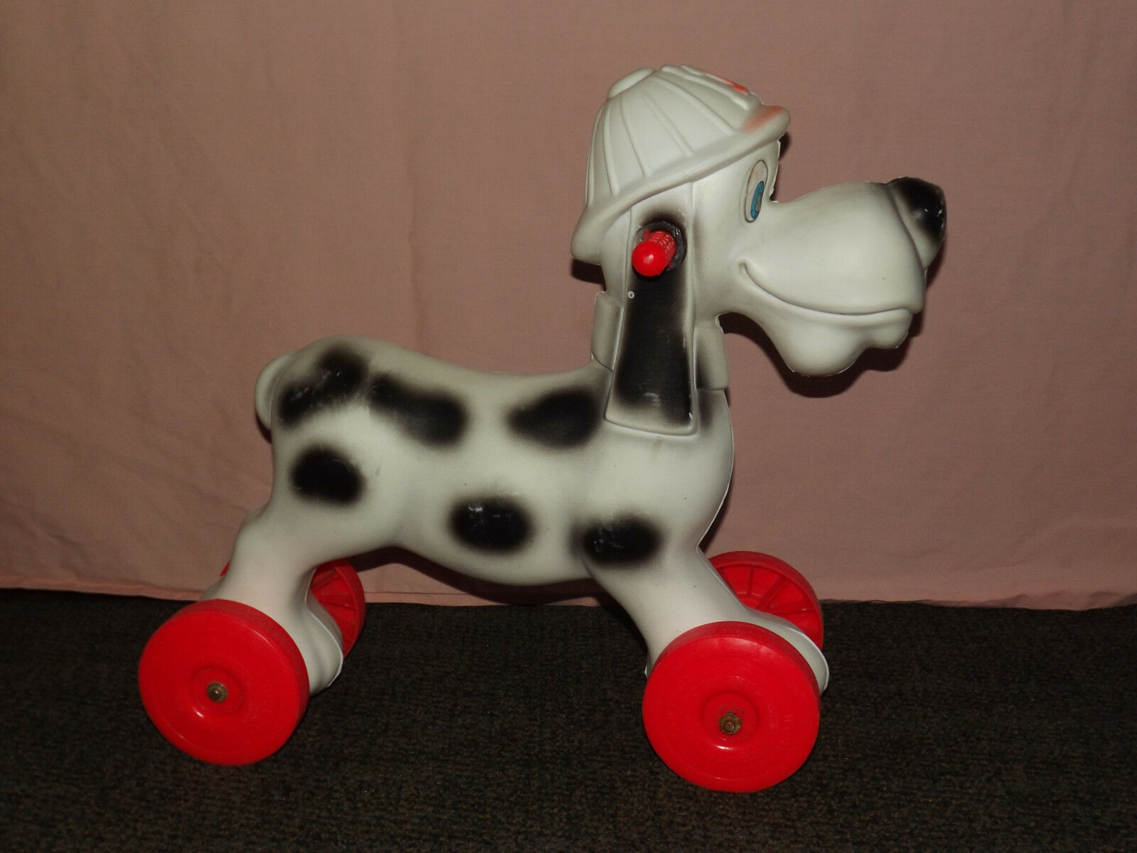 VINTAGE WORCESTER  MASS TOY CO RIDE ON PLASTIC  FIRE DEPARTMENT  DALMATIAN DOG