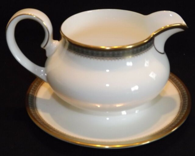 Royal Doulton England Bone China Clarendon Gravy Boat w/ Attached Underplate