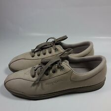 Women's Easy Spirit Anti Gravity Comfort Walking Shoes-Beige Leather-9 2A/4A
